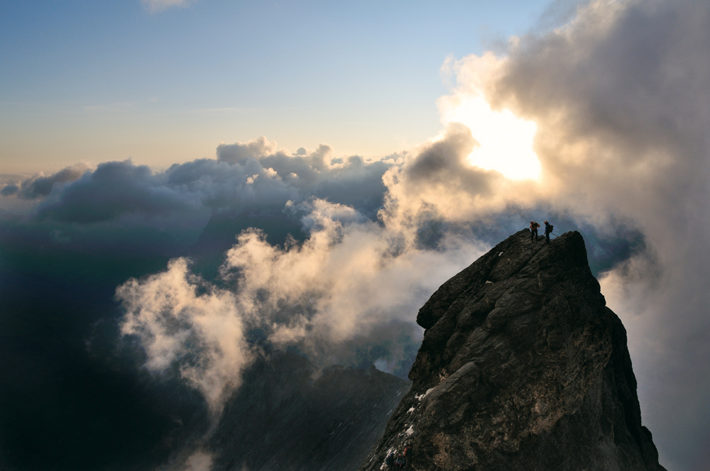 Über den Wolken. Atemberaubende Erlebnisse auf dem Eiger. Foto Ralph Gantzhorn