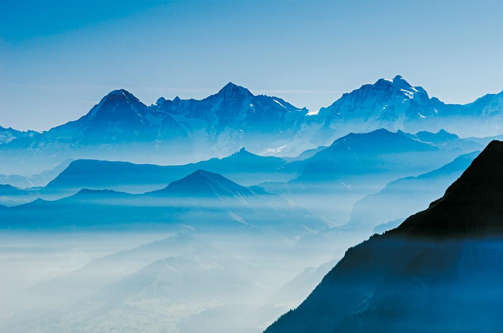 Faszination Hochtouren - beeindruckende Ausblicke auf die Viertausender der Alpen - ein Foto von Marco Volken